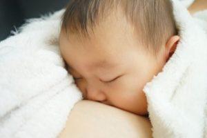 みんなも悩む・初乳・卒乳までの母乳・ミルク・混合