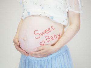 マタニティ後期,妊娠後期・赤ちゃんの成長や様子・ママの変化(つわり・頻尿と尿漏れ・便秘・貧血・動悸・おりものが増える・腰痛・こむらがえり)